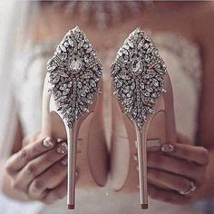 shoes wedding shoes comfortable wedding heels Gorgeous heels from our bestselling Kiara always looks amazing in your wedding phot. Wedding Shoes Bride, Bride Shoes, Rose Gold Heels Wedding, Wedding High Heels, Bridal Heels, Wedding Dresses, Gorgeous Heels, Beautiful Shoes, Fancy Shoes