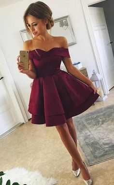 Tired Skirt Off-The-Shoulder Homecoming Dresses Short Prom Gowns Müde Rock off-the-Shoulder Homecoming Kleider kurze Abendkleider Semi Dresses, Hoco Dresses, Pretty Dresses, Beautiful Dresses, Prom Gowns, Awesome Dresses, Ball Gowns, Bridesmaid Dresses, Banquet Dresses