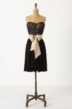 in love with this dress, formal?