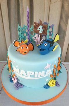 Nemo and Dory cake