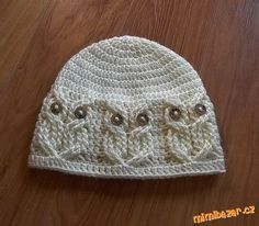 Owl hat! At least I think... They look like owls! But I want it!!!!!