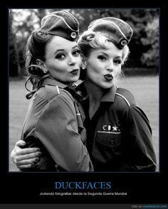 El duckface tiene más historia de lo que crees - Jodiendo fotografías desde la Segunda Guerra Mundial   Gracias a http://www.cuantarazon.com/   Si quieres leer la noticia completa visita: http://www.estoy-aburrido.com/el-duckface-tiene-mas-historia-de-lo-que-crees-jodiendo-fotografias-desde-la-segunda-guerra-mundial/