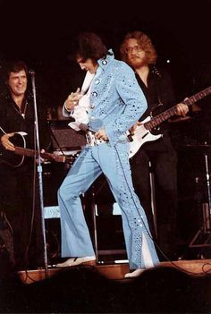 Elvis, Charlie and Jerry Scheff - Lubbock,TX. November 8th, 1972   I SAW HIM THAT SAME WEEK IN AMARILLO, TEXAS - 1972!