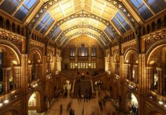 LONDON National History Museum, free admission, open every day from 10-5:50