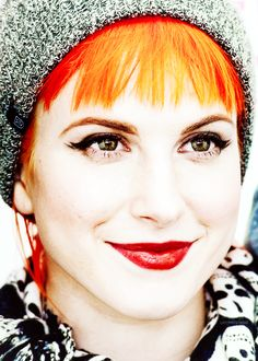 That eye makeup, though. Hayley Williams