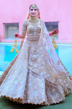 Party Wear Indian Dresses, Indian Gowns Dresses, Indian Bridal Outfits, Indian Fashion Dresses, Dress Indian Style, Wedding Dresses For Girls, Indian Designer Outfits, Bridal Wedding Dresses, Designer Bridal Lehenga