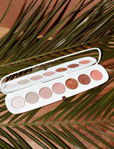 Marc Jacobs Eye-Conic Multi-Finish Eyeshadow Palette – Coconut Fantasy Collection in Fantascene