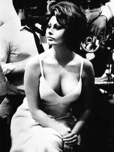 "cinemarhplus:  Sophia Loren, Marlon Brando and Charles Chaplin on the set of""A Countess From Hong Kong"""