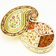 Beautiful dry fruits container Diwali Gifts, Indian Sweets, Jewellery Boxes, Dried Fruit, Gift Store, Online Gifts, Handicraft, Mango, Chocolate