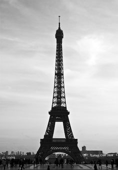 "If the Trip Eiffel is the symbol of Paris, the Cathédrale de Notre-Dame de Paris is its heart. Sitting on the banks of the Seine, this marvelous architectural work of art is a definite ""must-see"". Best Vacation Destinations, Vacation Spots, Paris Landmarks, Visit France, Best Sunset, Sunset Art, Thing 1, Paris City, Paris Eiffel Tower"
