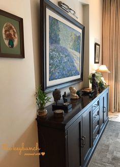 Brown cupboard, statues and paintings. Geeta Singh's Garden-centric Chandigarh home Small Living Rooms, Living Room Decor, Dining Room, Decorating Blogs, Interior Decorating, Best Interior Design Blogs, Asian Home Decor, Indian Homes, Home Decor Furniture