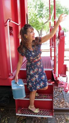 Sew Country Chick- Handmade Style: A Forties Six Gore Skirt Shirtwaist Dress Made From a Frumpy 90's Frock