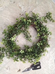 Easy Garland Wreath - The 15 Minute, 15 Dollar Wreath Boxwood Wreath Diy, Grapevine Garland, Diy Wreath, Wreath Ideas, Christmas Handprint Crafts, Christmas Crafts For Gifts, Green Garland, Green Wreath, Diy Christmas Decorations Easy