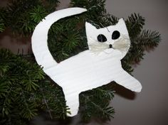 cats made of cardboard for Christmas tree http://handmadeowo.blogspot.com/2013/12/kotki-na-choinke-z-kartonu-cats-made-of.html
