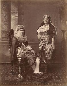 Turkish women19th century Ottoman Empire. old photo. ottoman costume