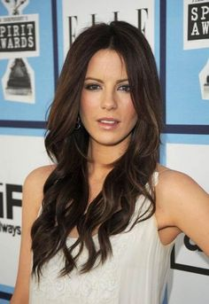 a0e1dece90 Oblong faces need a longer haircut to take away from the long face. Kate  Beckinsale