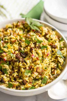 This cold curried wild rice salad with raisins and pecans has amazing flavors and textures and is perfect as a make-ahead side dish or lunch. Wild Rice Recipes, Rice Salad Recipes, Brown Rice Recipes, Healthy Salad Recipes, Vegetarian Recipes, Rice Side Dishes, Dinner Side Dishes, Side Dishes Easy, Brown Rice Salad