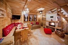 Have you been thinking about making changes to your home? Ski Chalet Decor, Chalet Interior, Chalet Design, Chalet Style, Simply Home, Build A Closet, Interior Design Advice, Romantic Cottage, Cottage Interiors