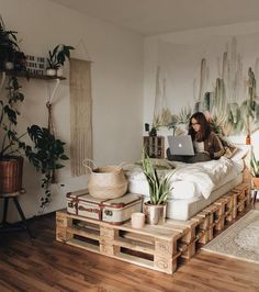 41 On a budget DIY palette for minimalist home - Zimmer Einrichten - Deco Tip Apartment Decorating On A Budget, Apartment Ideas, Interior Decorating, Zen Decorating, Apartment Plants, Rustic Apartment Decor, Decorating Bedrooms, Decorating Websites, Apartment Design