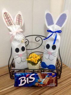 Coelhinhos porta Bis! Presenteie alguém que você ama nessa Páscoa. Aproveite, coelhinhos a pronta entrega!