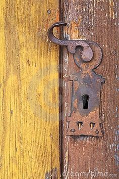Old-Fashioned Door Knobs | visit dreamstime com