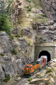 Here BNSF638 is exiting the tunnel at Quin mountain. I am currently shooting a layout that is being torn down for Model Railroader.