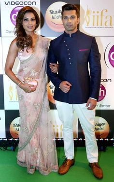 Madrid is full with Bollywood celebs and the awards night hosted there is indeed a grand affair. Who's who of Bollywood has ascended in Spain and are. Wedding Dress Men, Indian Wedding Outfits, Wedding Attire, Indian Outfits, Male Outfits, Wedding Wear, Groom Outfit, Groom Dress, Bollywood Celebrities