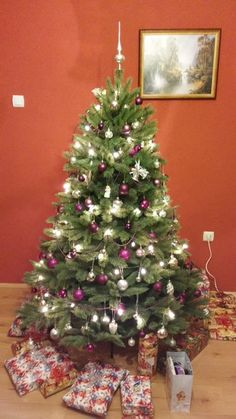 Vianočný stromček 185 cm Forest Frosted Pine