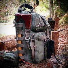 A bushcraft/survival backpack setup. Bushcraft Camping, Bushcraft Backpack, Bushcraft Gear, Camping Survival, Outdoor Survival, Survival Prepping, Survival Gear, Survival Skills, Camping Hacks