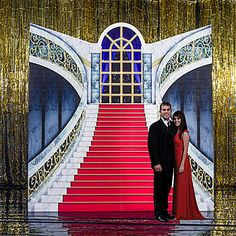 This amazing Mansion Stairway Standee makes the perfect backdrop for any 1920s or other elegant occasion.