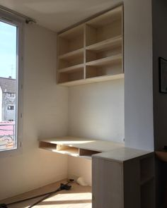 2/3 coats of #v33 mat varnish, and 👋 #cabinetmaker #surmesure #woodworking #menuiserie #bureau (à Les Lilas)