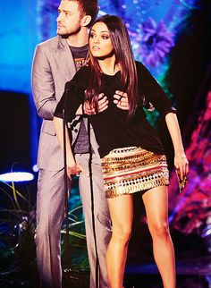 Justin Timberlake and Mila Kunis being grabby Beautiful Girl Indian, Gorgeous Women, Beautiful People, Mila Kunas, Meg Griffin, Emma Watson Sexiest, Alternate Worlds, Friends With Benefits, Young Love