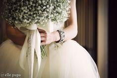 花嫁さまの結婚準備* |*ウェディングフォト elle pupa blog*|Ameba (アメーバ) Dress Hairstyles, Wedding Hairstyles, Wedding Pics, Wedding Couples, Restaurant Wedding, Wedding Bouquets, Wedding Dresses, Wedding Photography Tips, Couple Posing