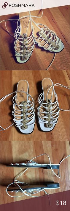 Stephanie of London tie up sandals. Size 8.5. Excellent condition. Stephanie of London sandals made in Spain. Gorgeous flats! 30% off bundles of 2 or more items from my closet🙂 stephanie of london Shoes Sandals