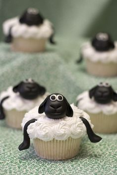 Sheep cupcakes so cuuuute