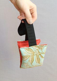 DIY Aromatherapy Eye Pillow Sewing Tutorial /// By Design Fixation