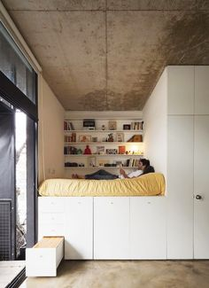 sweet home Das Bett baue ich fr - home Tiny Spaces, Small Rooms, Small Apartments, Furnished Apartments, Studio Apartments, Small Space Living, Tiny Living, Living Spaces, Compact Living