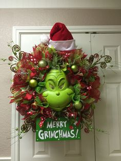 The Grinch deco mesh wreath by Twentycoats Wreath Creations (2015)