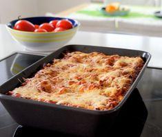 KOTONA: Jauheliha-kukkakaalilasagne Macaroni And Cheese, Food And Drink, Ethnic Recipes, Motion, Salt, Foods, Food Food, Mac And Cheese, Food Items