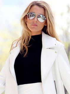 Stars are grasping the trend too! Mirrored sunglasses have become more and more popular over the years. Here is Blake Lively sporting her mirrored sunglasses.