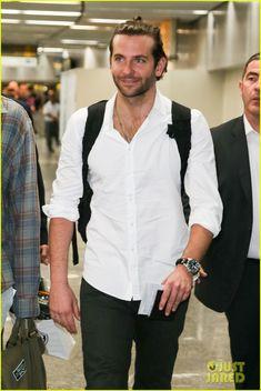 Bradley Cooper: Shirtless After Brazil Arrival with Hangover Guys | bradley cooper shirtless after brazil arrival with hangover guys 15 - Photo