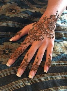 Easy and simple Eid mehndi design for back hand - Henna - Eid Mehndi Designs, Mehndi Designs Finger, Henna Tattoo Designs Simple, Indian Henna Designs, Back Hand Mehndi Designs, Mehndi Designs For Girls, Mehndi Designs For Beginners, Modern Mehndi Designs, Mehndi Design Pictures