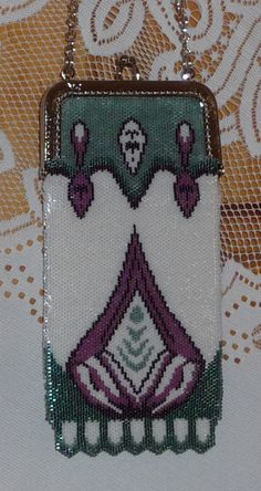 Art deco pattern done with Peyote stitch.