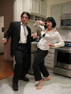 20 Couples Halloween Coustumes Party to Make you both Look Like the Superstars Thinking about fresh Halloween costumes for couples? Why not check out some really cool Couples Halloween Costumes right here. Pulp Fiction Halloween Costume, Original Halloween Costumes, Unique Couple Halloween Costumes, Couples Halloween, Halloween Costumes For Kids, Halloween Ideas, Couple Costume Ideas, Couple Ideas, Halloween Nails