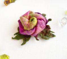 Войлочная цветочная брошь готова к отправке | Etsy