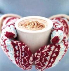Winter hot chocolate & mittens Toni Kami Joyeux Noël Christmas photography tinkerbell2477.tumblr.com