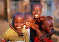 Did you ever notice that the kids that have the least - seem to be the happiest? all the money in the world, I would go and live in Africa and help these little children. Beautiful Black Babies, Beautiful Smile, Beautiful Children, Beautiful People, Happy Smile, Smile Face, Make You Smile, Happy Faces, I'm Happy