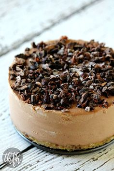Raw Vegan Chocolate Banana No-Bake Cheesecake...a healthy Vitamix recipe that's raw, vegan, gluten-free, dairy-free, soy-free, egg-free, paleo-friendly and contains no refined sugar | The Healthy Family and Home