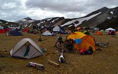 Landmannalaugar+est+un+petit+paradis+pour+les+amateurs+d'aventure+et+de+randonnée.+De+là,+on+peut+partir+explorer+l'immense+territoire+intérieur+de+l'Islande.+-+Galerie+de+photos+-+Moto+Journal