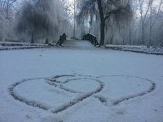 Zulkida Masleša Ljubav je najbolja komunikacija.....  Fotografija je uslikana na Vrelu Bosne-Ilidža